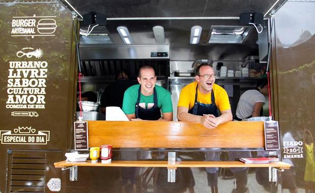 Capa do Buzina Food Truck no Facebook