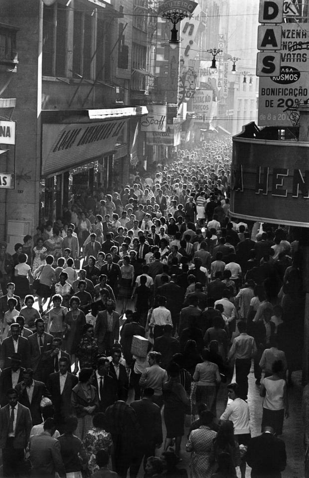 Rua Quintino Bocaiúva, São Paulo, 1951 - Reprodução: Coleção Chico Albuquerque http://www.chicofotomoderna.net/