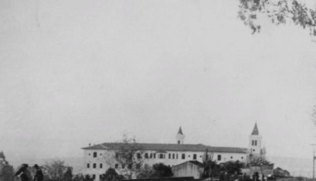 Convento de irmãs Carmelitas descalças, atual prédio da PUCSP. Projeto de Alexandre Albuquerque. Foto cedida pelo CEDIC (PUC-SP)